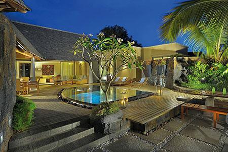 Romance in Mauritius in Trou Aux Biches Resort & Spa